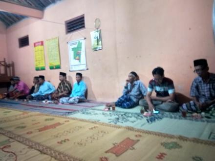 Pertemuan Rutin Malam Minggu Pahing masyarakat Dusun Nglorong