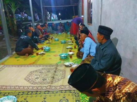 RAPAT PANITIA PERINGATAN HARI KEMERDEKAAN REPUBLIK INDONESIA DUSUN GEDONG