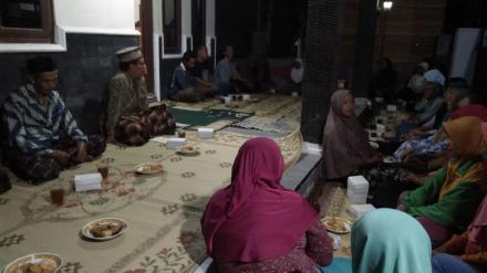 Pengajian rutin dan yasinan malam kamis ibu2 RT 3-4 dusun Badan