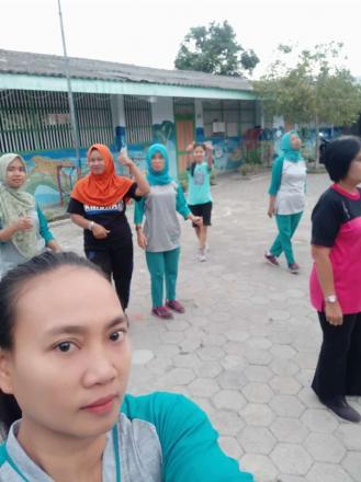 Senam Pagi Di Dusun Panjang
