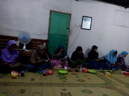Pengajian rutin malam kamis ibu2 RT 03&04 dusun Badan