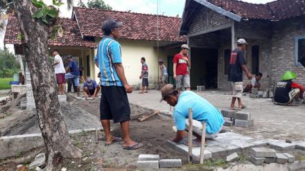 Kerja Bakti di Lingkungan Masjid Grudo