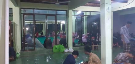 Kemeriahan di masjid Nglorong