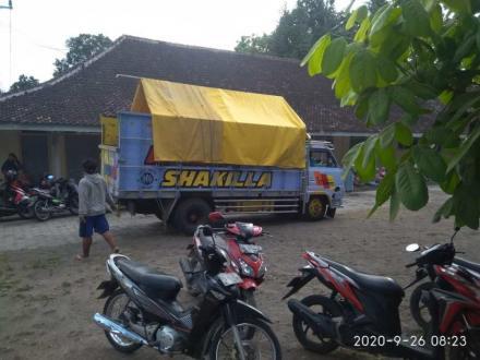 Distribusi Beras KPM PKH Di UPT PTD Pundong