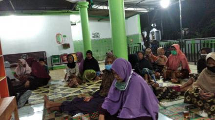 Pengajian di Masjid Miftakgul 'Ibad Panjang