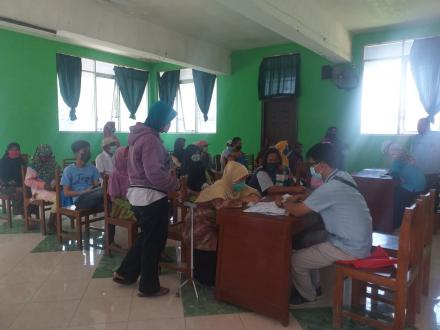 Penyaluran Bantuan Sosial Tunai( BST)