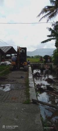 Persiapan Bangket Irigasi di Dusun Jetis