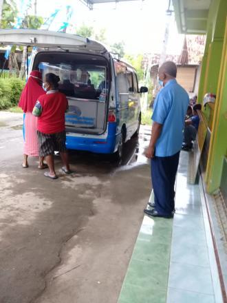 Mobil Pajak di Dusun Grudo