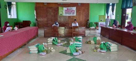 Bantuan Sembako untuk Anak Yatim dari YWMI