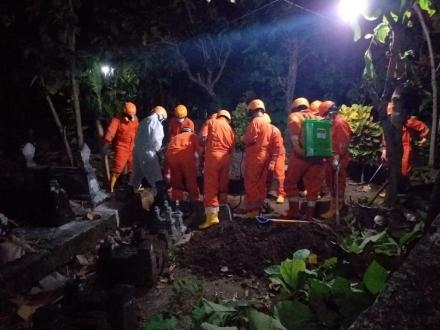 Tim kubur cepat di Soronanggan