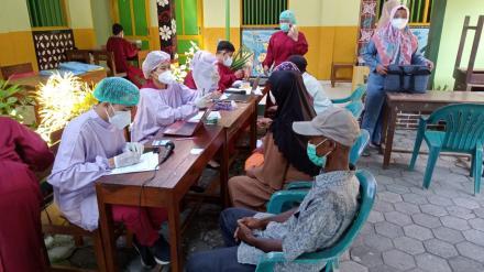 Vaksin kedua di SD Mhamadiyah Kalipakem 3