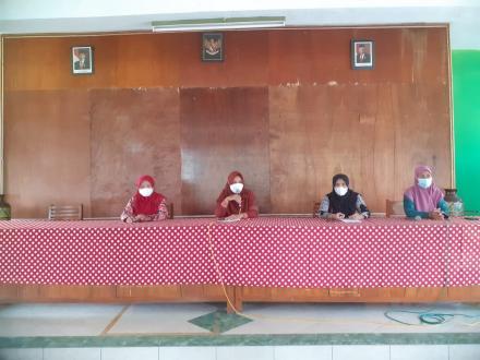 Pertemuan Rutin Istri Pamong dan Staff